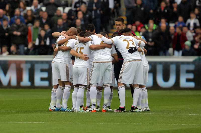 swansea players huddle