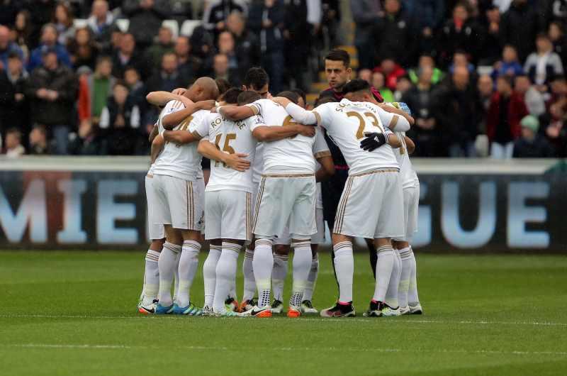 swansea players huddle