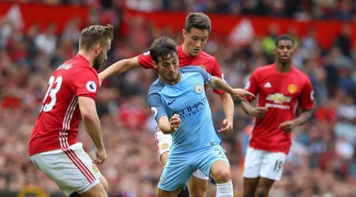 Manchester United och Mancester City - David Silva i aktion