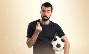 Fotbollspelarens problem med pengar och arbetstillstånd